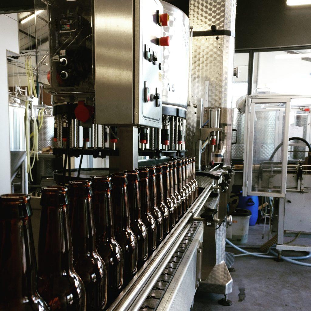 Bottelen van het eerste bier